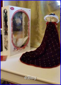 2009 original Limited Edition 17 SNOW WHITE doll Disney Store princess