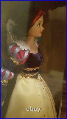 Disney Collector Dolls Enchanted Princess Snow White and the Seven Dwarfs NIB