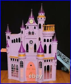 Disney Princess Ultimate Dream Castle Dollhouse 3 feet tall 8 dolls Furniture