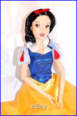 Disney Store Princess Large Snow White Singing Doll 2012 Limited Edition 17 inch