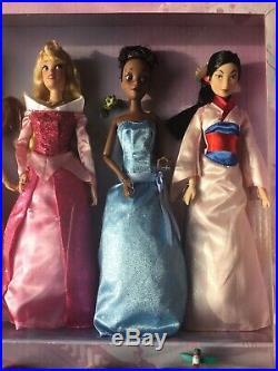 NEW COLLECTORS EDITION Disney Store Princess Gift Set x11 Dolls. MIB