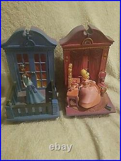 Rare Princess and the frog disney store bookends tiana and charlotte retired