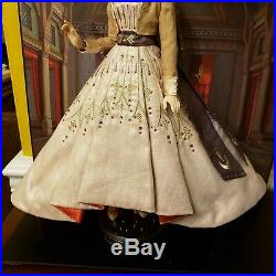 Saks 5th Ave Exclusive Disney Limited Edition 1000 Frozen II Anna 17 DOLL ONLY